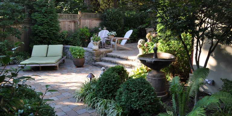 Landscaping-a_secluded-city-garden1