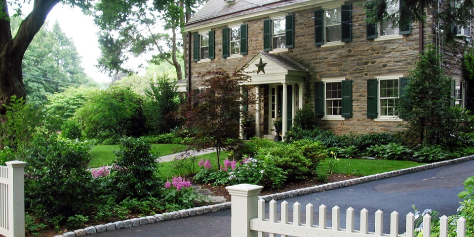 Landscaping-h_front-plantings-shade