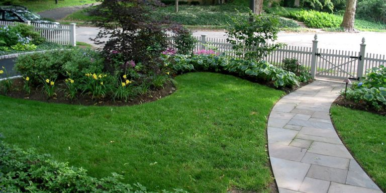 Landscaping-j_front-plantings-shade
