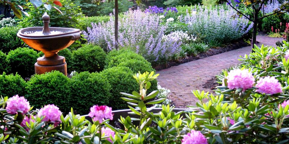 Landscaping-s_perennial-garden-fountain
