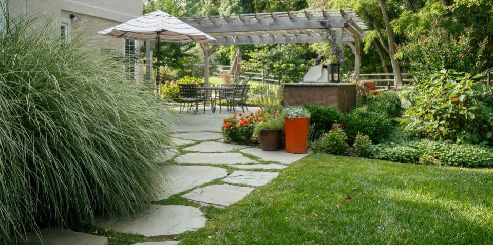 t_garden-entrance